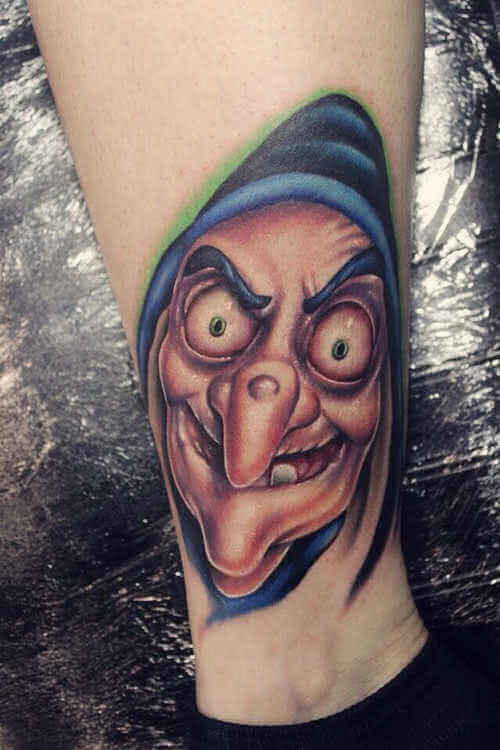 Bein tattoo Hexe