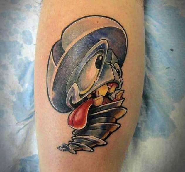 Bein Tattoo witzige Schraube