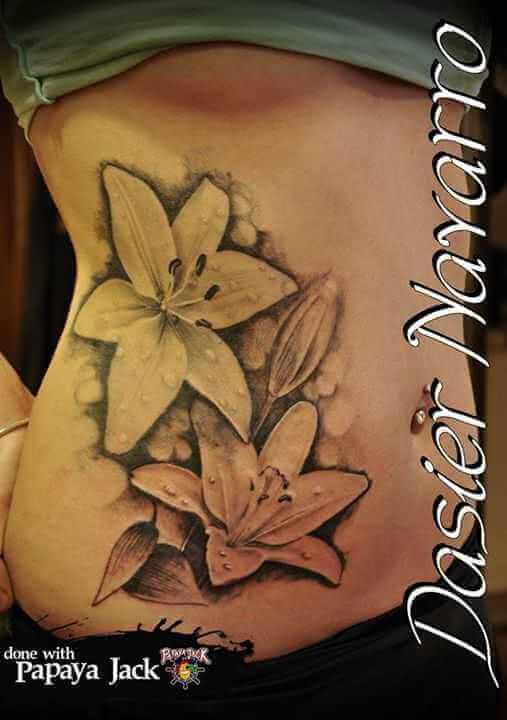 Blumen Tattoo Oberkörper
