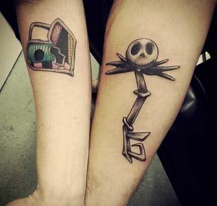 Comic Tattoo Gruselschlüssel mit Schloss