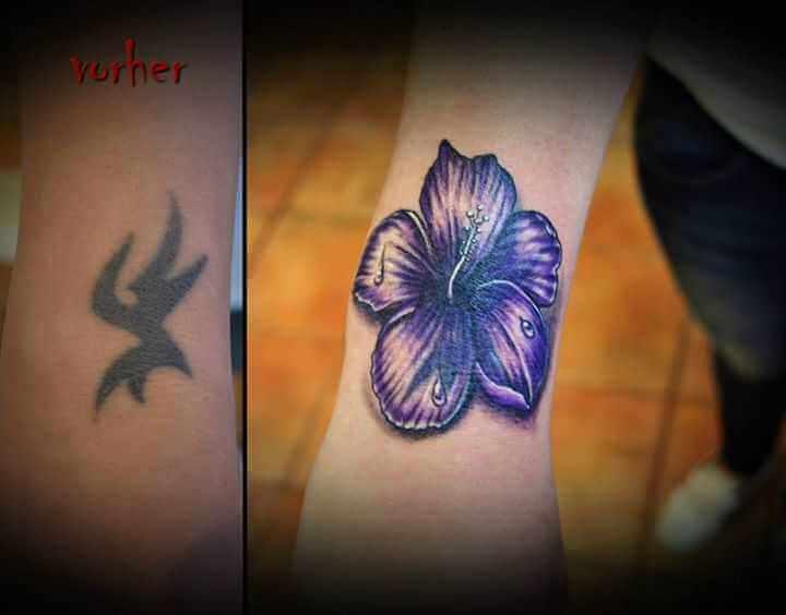 Cover up Unterarm Tattoo Blume