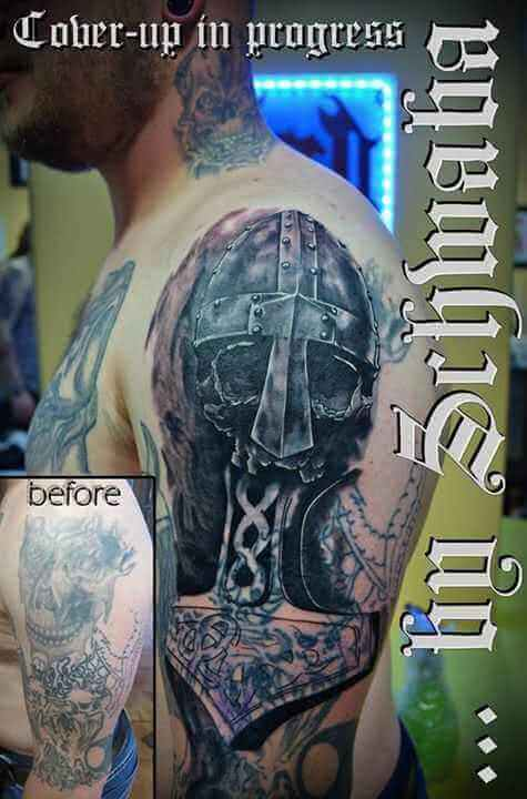 Cover up Wikingerhelm und Thors Hammer