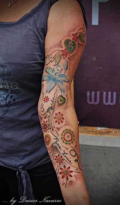 Flower Tattoo mit Namen