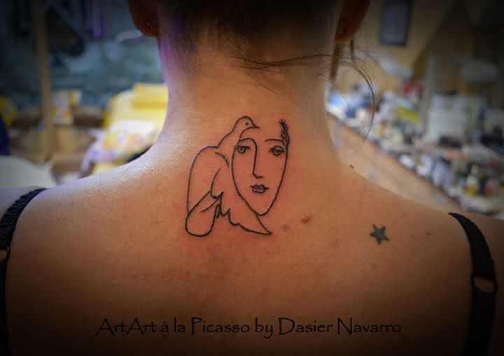 Nacken Tattoo Le Visage de la Paix
