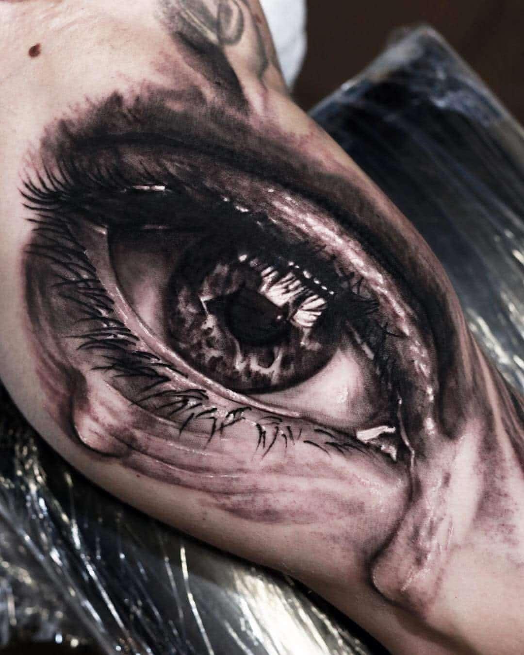 3D Auge mit Tränen