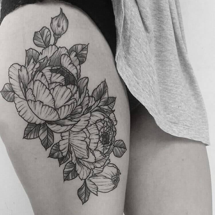 abstrakte Blumen mit Linien