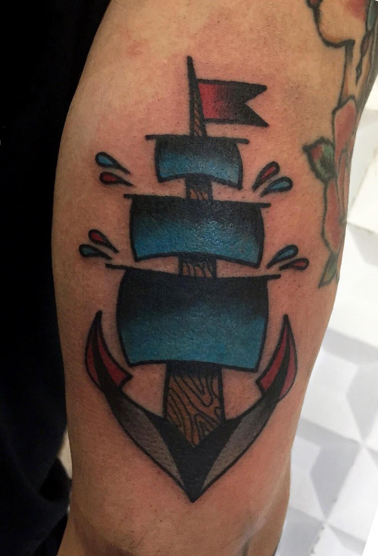 Anker in Form eines Schiffes