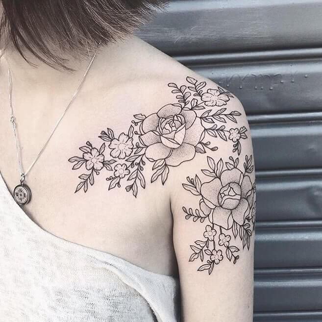 Blumen Dotwork auf Schulter