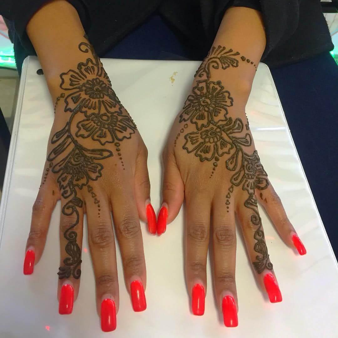 Blumen Henna Hand und Figner