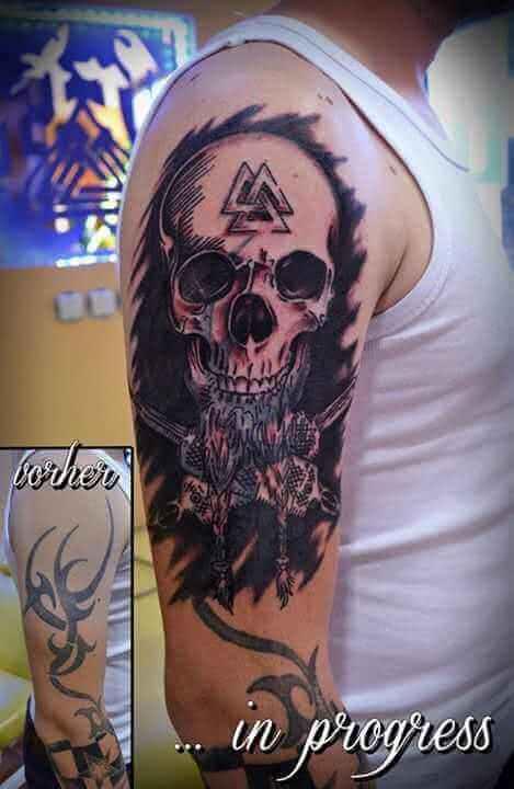 Tattoo Cover up Arm Totenkopf