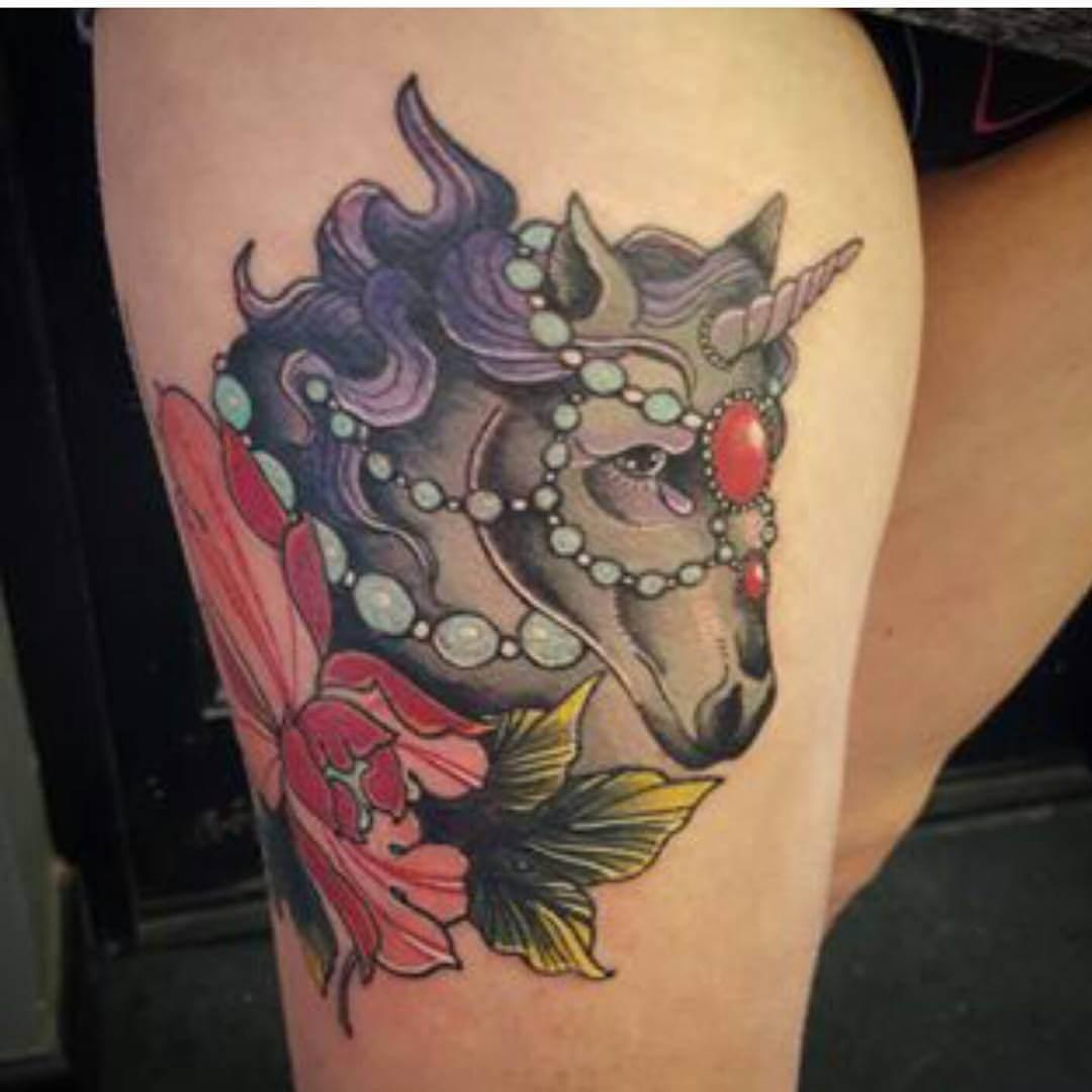 Tattoo Einhorn mit Perlen