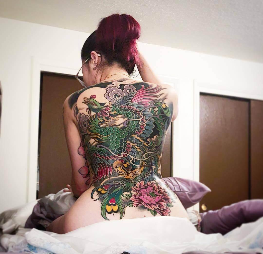 farbiges asiatisches Tattoo