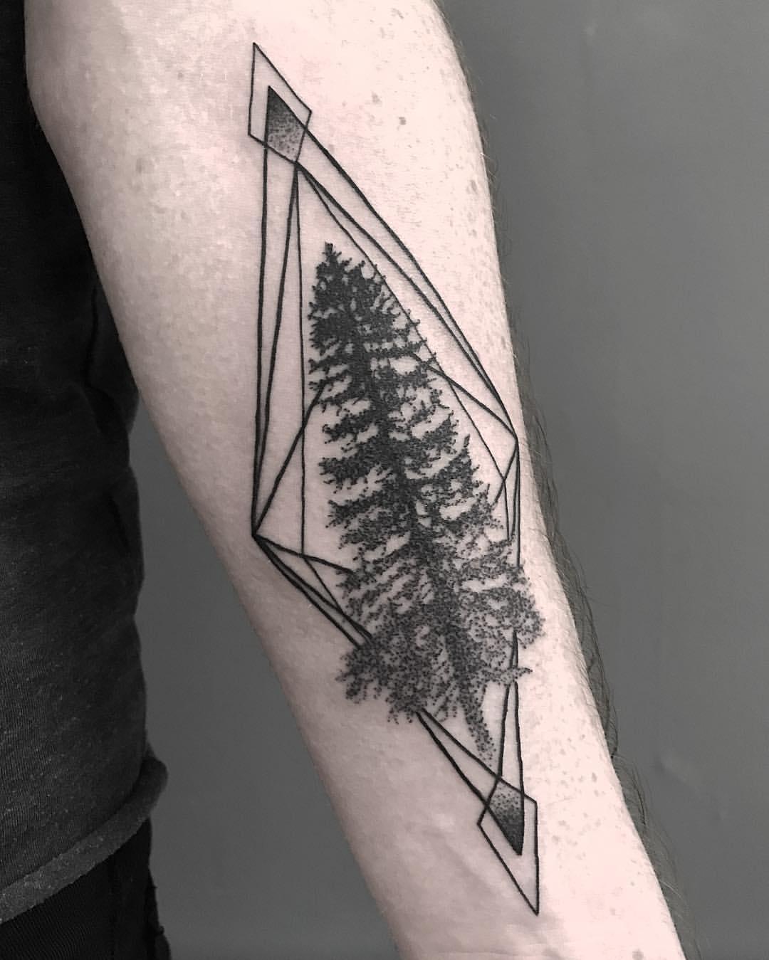Geometrisch Dotwork Baum auf dem Arm