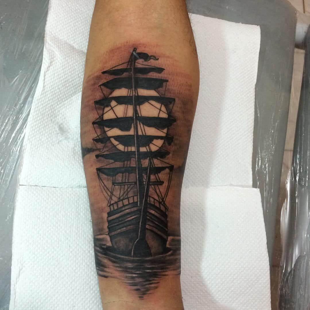 großes Segelschiff
