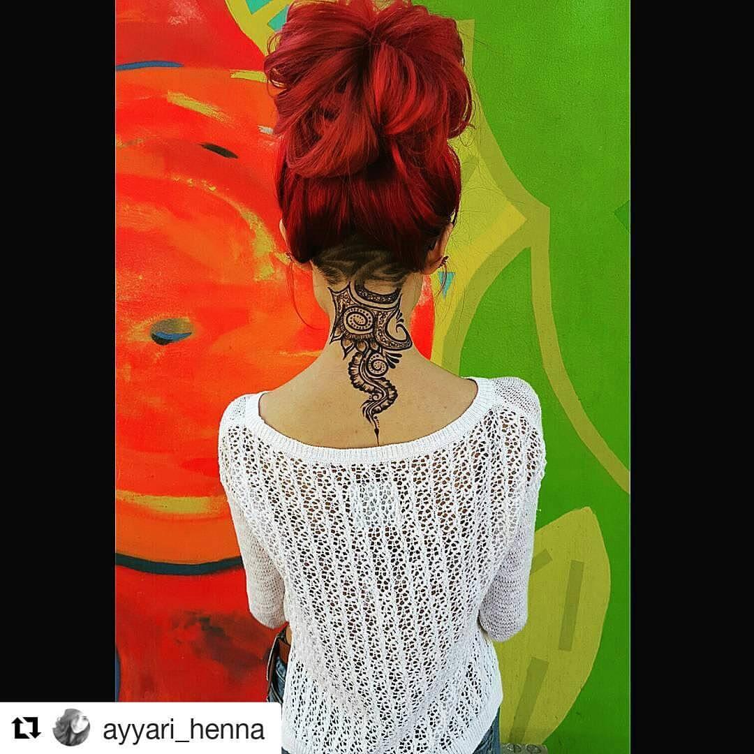 Henna auf dem Hals