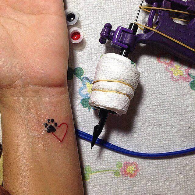 Kleines Herz mit Tatze