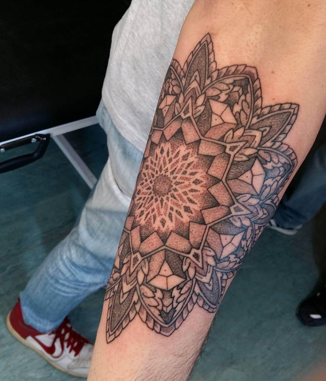 Mandala auf dem Arm