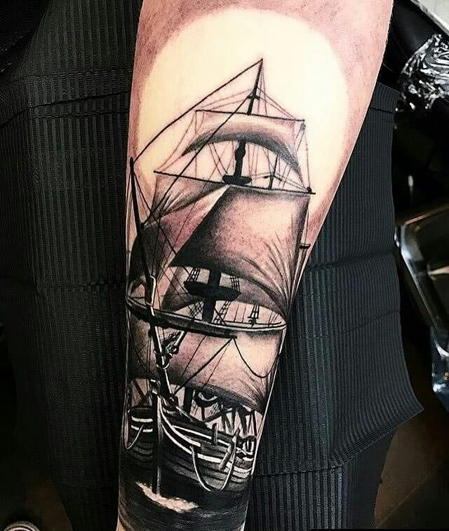 Piratenschiff auf dem Unterarm