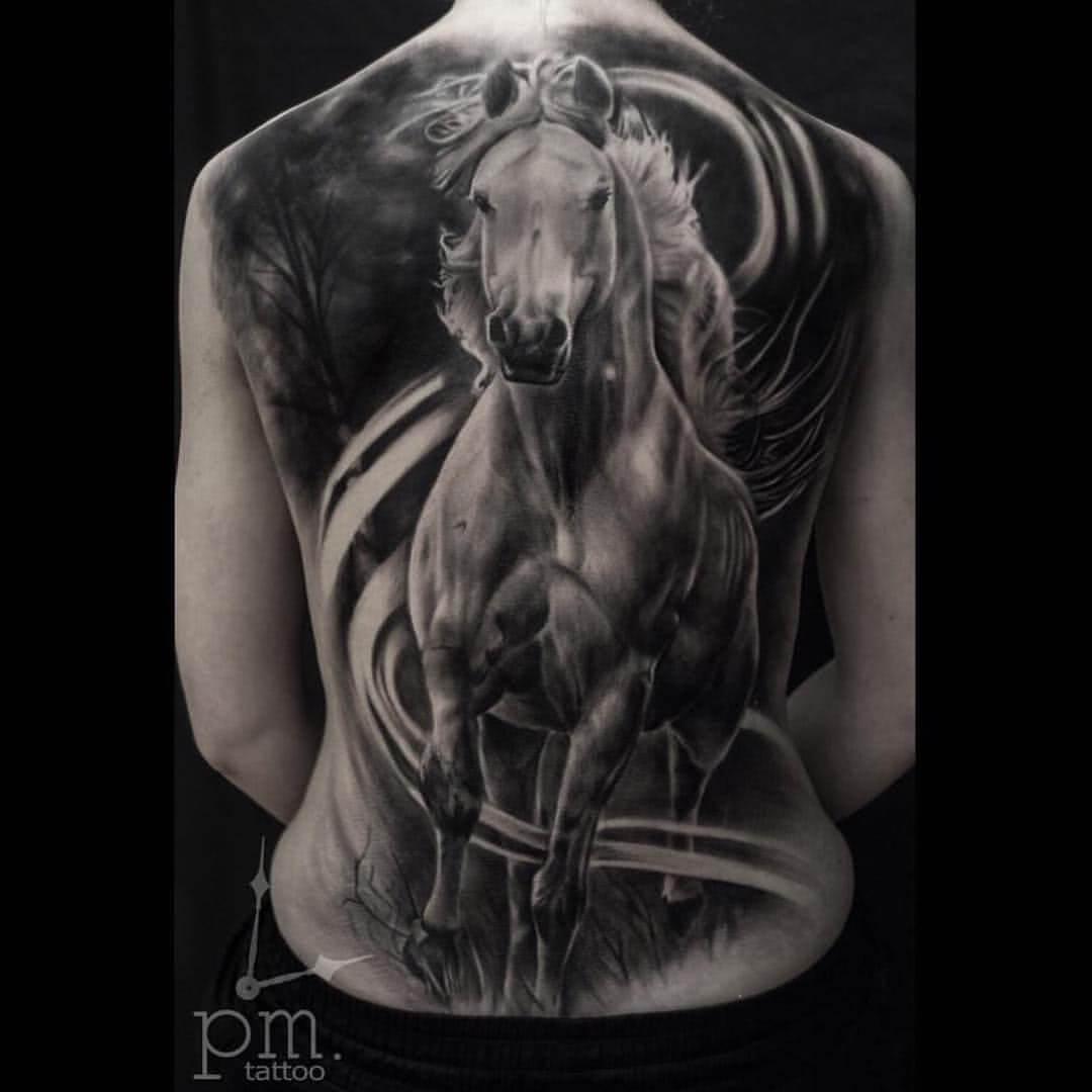 Rückentattoo Pferd