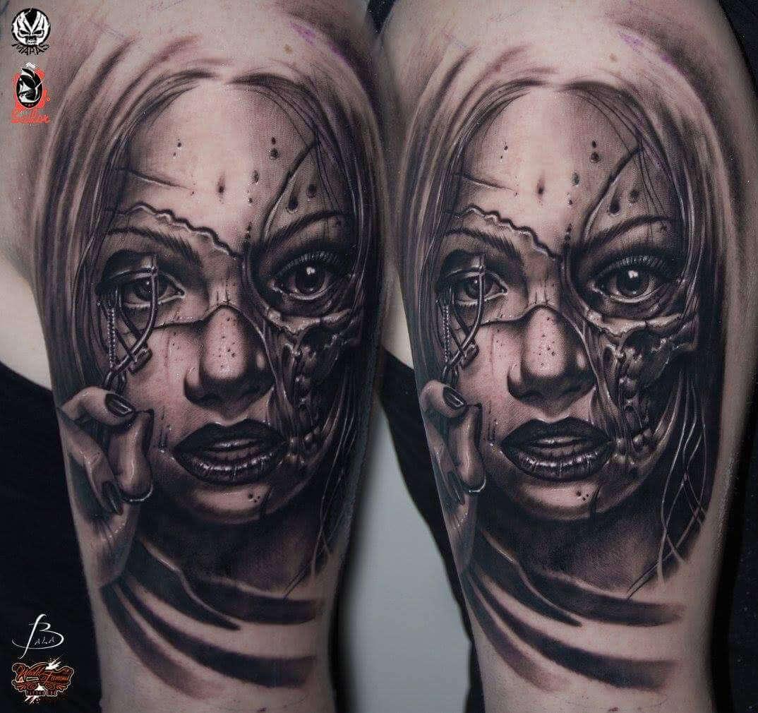 Realistisches Frauen Zombie Gesicht