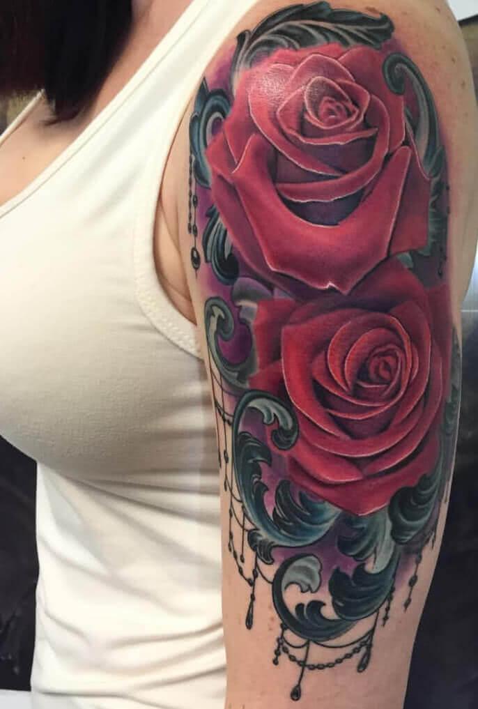 Rose auf dem Oberarm