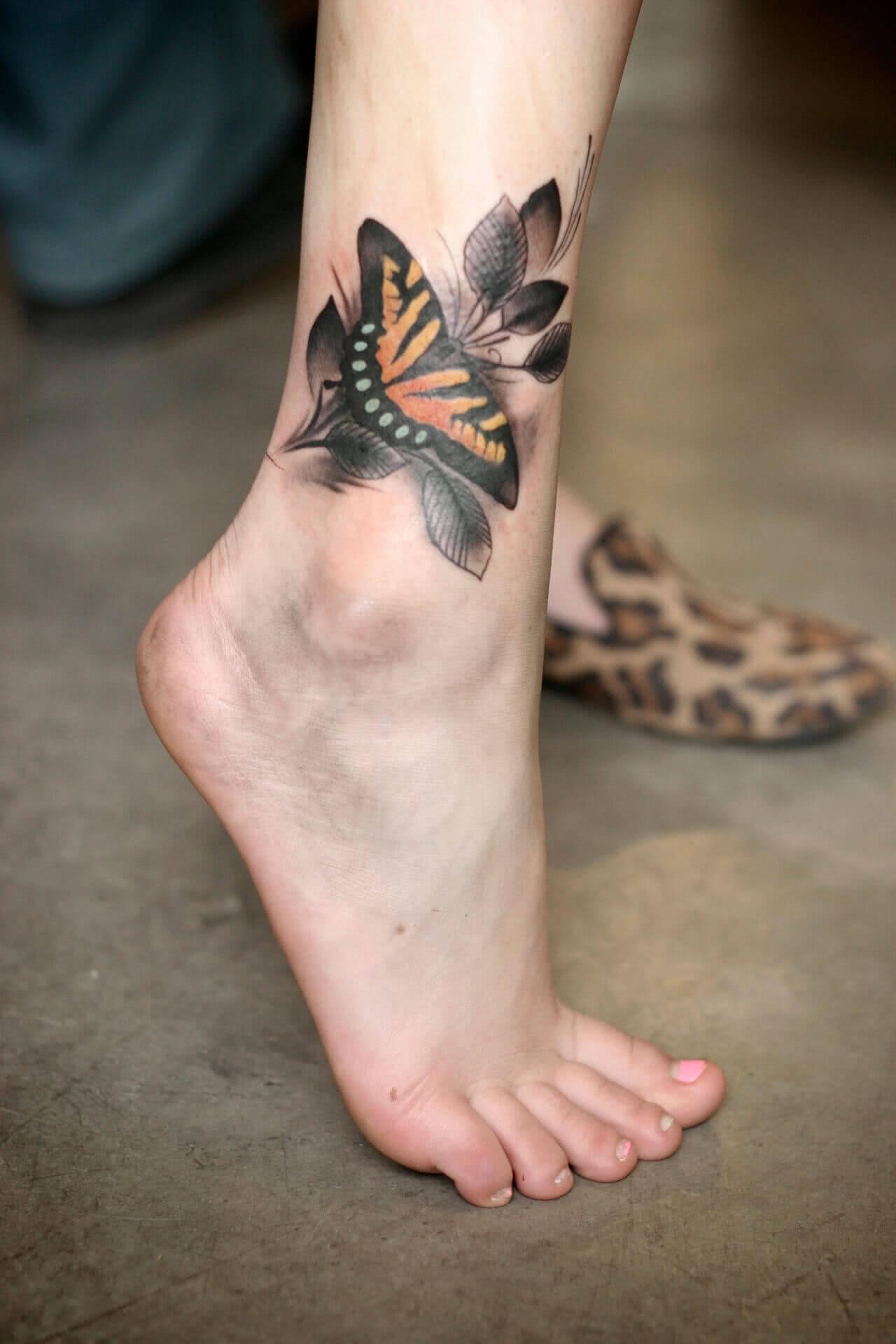 Schmetterling mit Blume