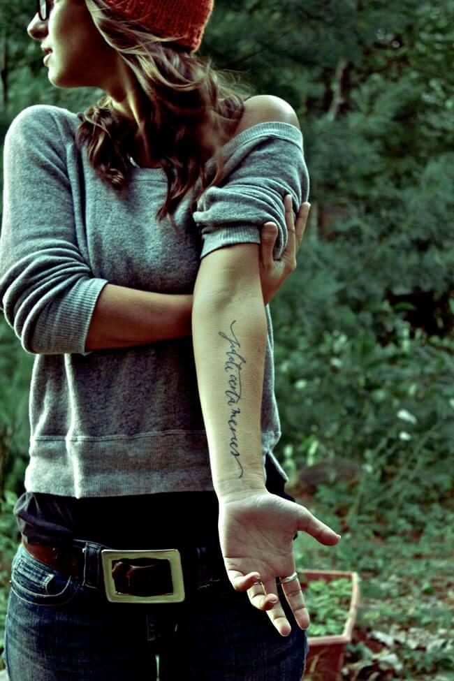 Tattoo Schrift auf dem Unterarm