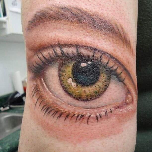 Tattoo sehr realistisches Auge