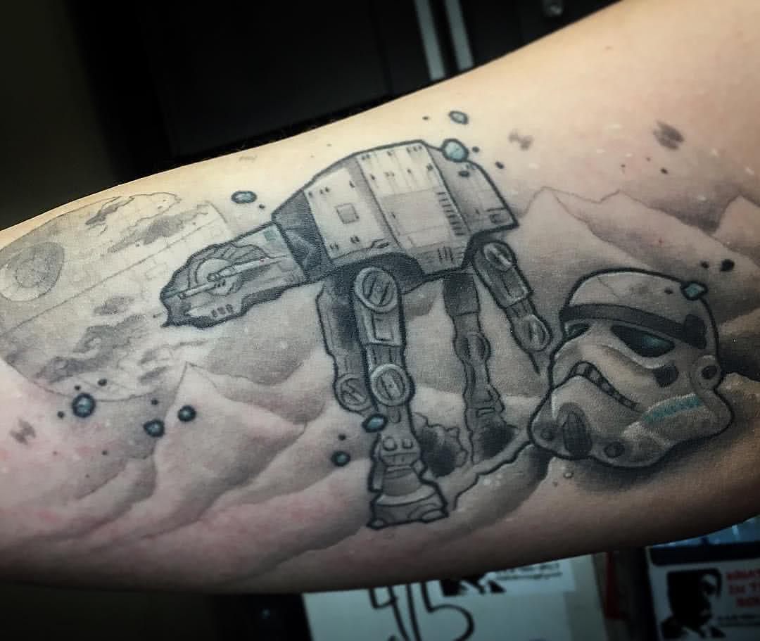 Star Wars – AT-AT und Stormtrooper Helm