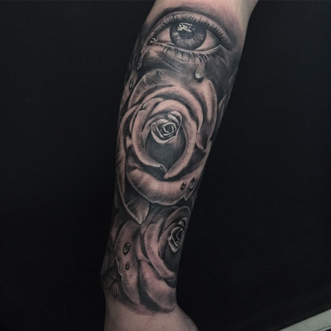 Unterarm Sleeve Rose mit Auge