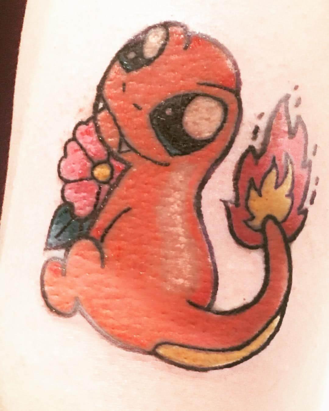 verniedlichtes Glumanda Tattoo